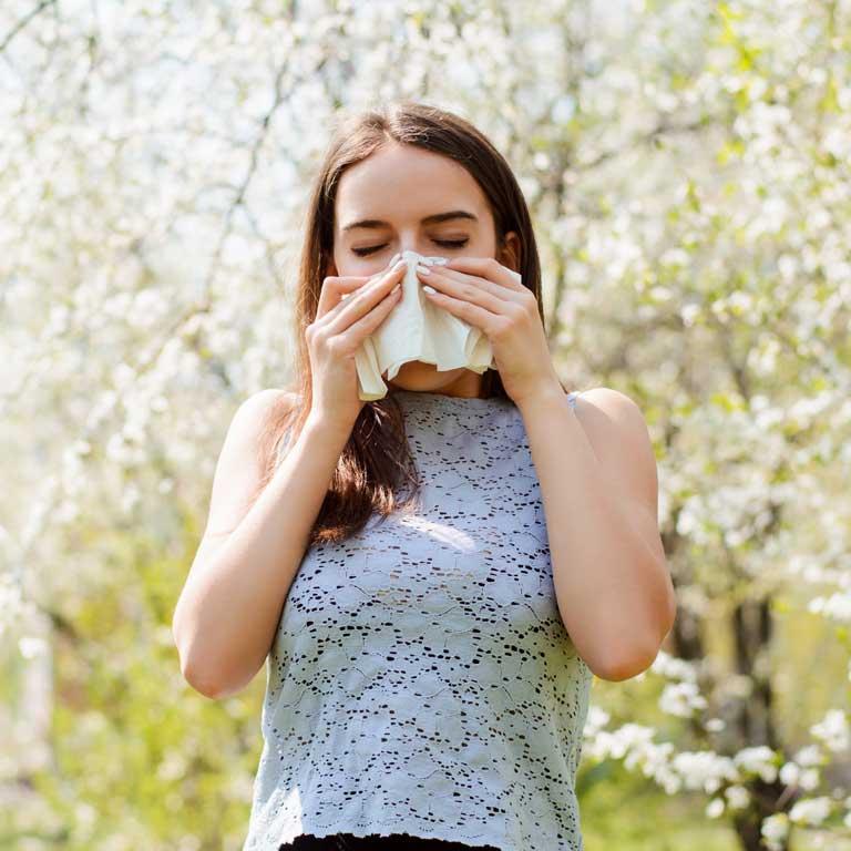 ¿Alergia en primavera? Aprende a controlar los síntomas