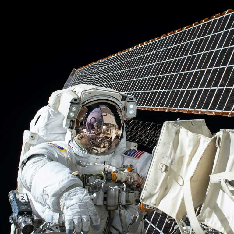 Take care of yourself like an astronaut - what nutrients are recommended for a space trip?