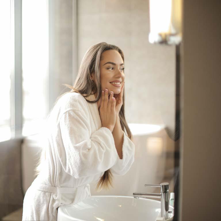 Vous avez une peau mixte ou grasse ? Voici quelques conseils pour vous aider dans votre routine quotidienne
